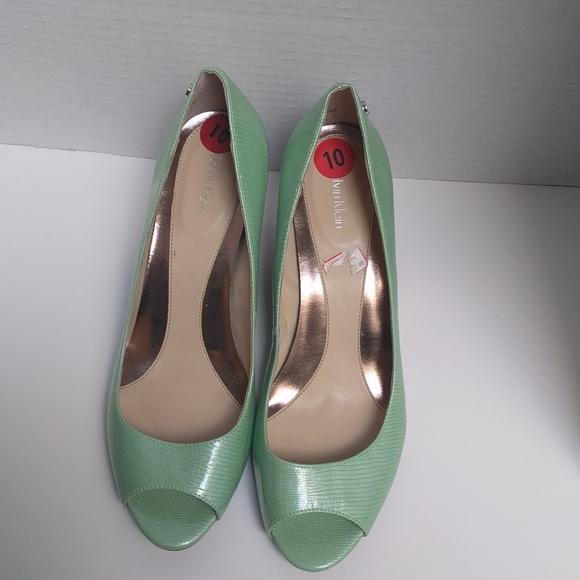 👠🍀Green open toe shoes by Calvin Klein 👠🍀